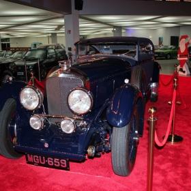 ... и едно Bentley на достолепна възраст