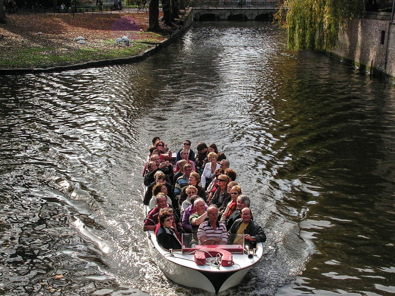 33-ма в една лодка