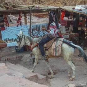 Петра - Пътешествие с бял кон