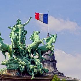 Paris - Grand Palais Statue