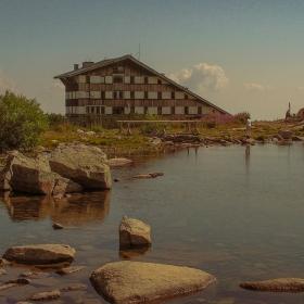 Безбожко езеро и хижа Безбог