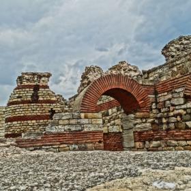 Несебър-Крепостни стени
