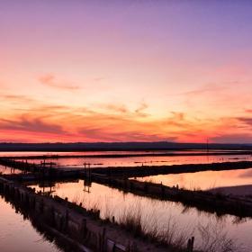 Залезът над Бургаските солници