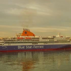 На пристанището на Пирея