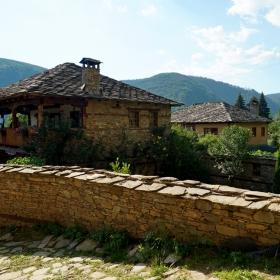 Къща в Лещен