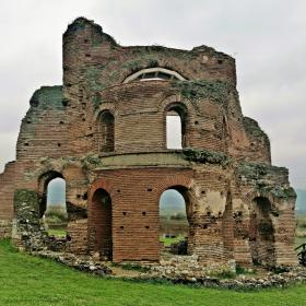 Червената черква