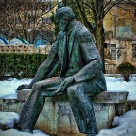 Паметникът на Йордан Йовков